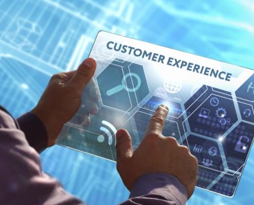 Pessoa tendo experiência do cliente